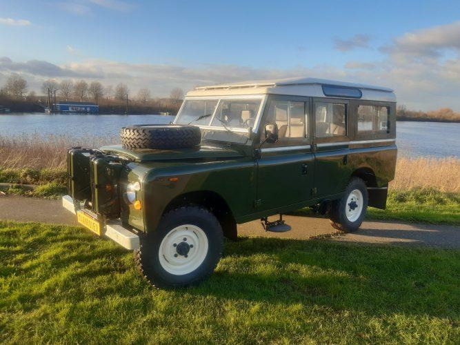 "Land Rover SIII 109"""